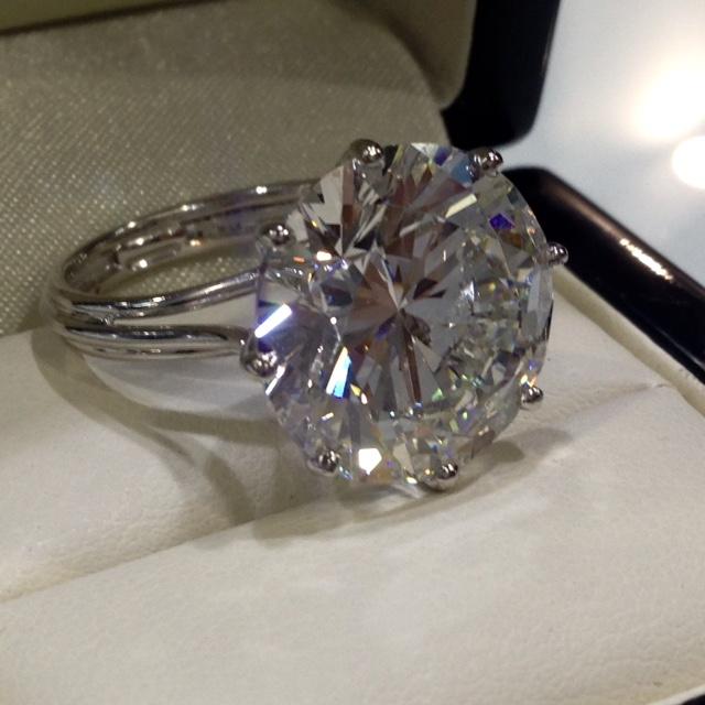 Stunning Handmade Platinum solitaire ring